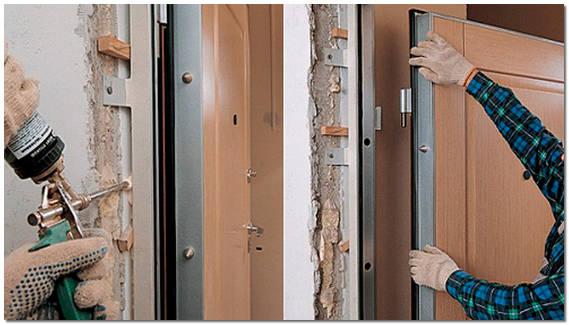 Ustanovka-metallicheskoy-dveri-svoimi-rukami[1]