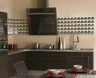 Керамическая плитка для кухни: от выбора до укладки