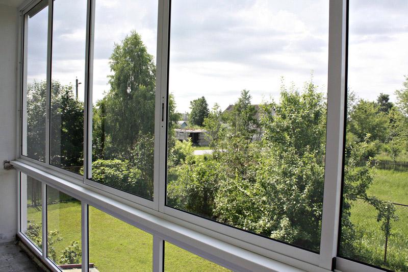 osteklenie-balkonov-alyuminievym-profilem[1]