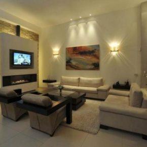 Интерьер гостиной с камином - фото (10)