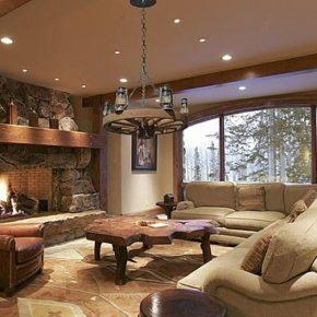 Интерьер гостиной с камином - фото (3)