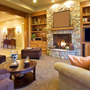 Интерьер гостиной с камином - фото (50)