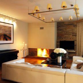 Интерьер гостиной с камином - фото (57)