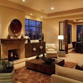 Интерьер гостиной с камином - фото (74)